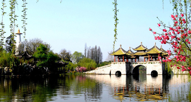 the-chinese-garden-style-west-lake